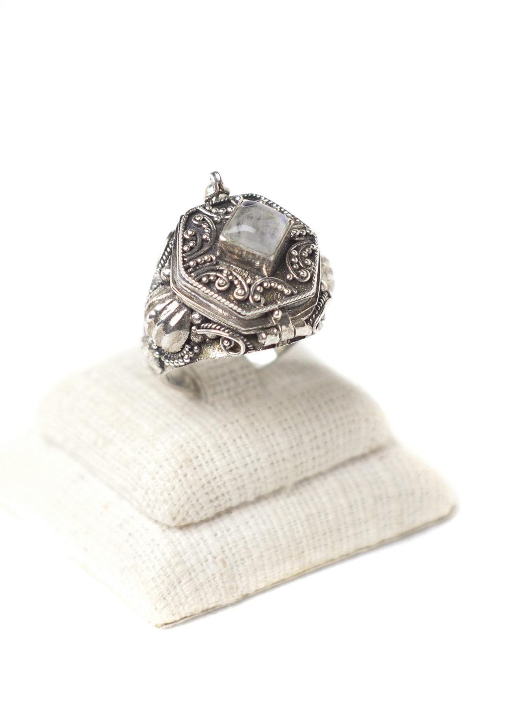 Poison Moonstone Ring 1
